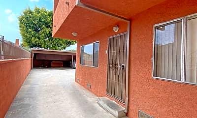 Patio / Deck, 11921 Manor Dr, 1