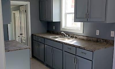 Kitchen, 3810 S Tyler St, 1