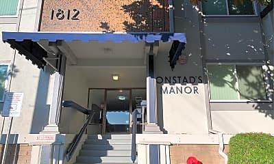 Onstad'S Manor, 1