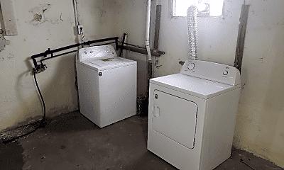 Bathroom, 841 Wallis Ave, 2