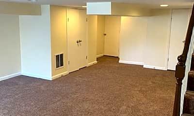 Bathroom, 3720 Spaulding Ave, 2