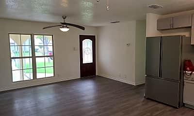 Living Room, 4406 Desert View Dr, 1