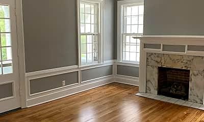Living Room, 1556 Virginia St E, 1