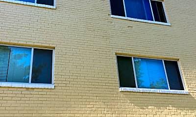 Chelsea Park Apartment Homes, 1