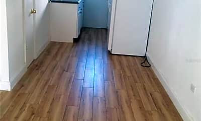 Kitchen, 1710 S Washington Ave 03, 1