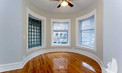 Bedroom, 847 W Wellington Ave, 1