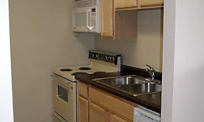 Irving Heights Apartments, 1