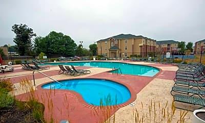 Pool, University Village at Muncie, 1