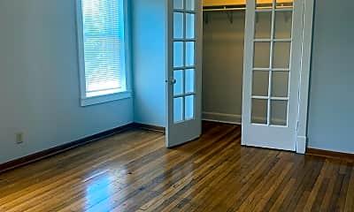 Living Room, 431 N Menard Ave, 1