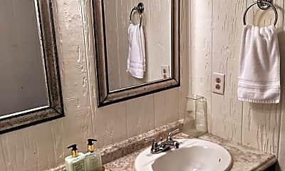 Bathroom, 114 Homestead Ave, 1