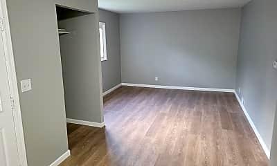 Living Room, 700 Kirkpatrick St, 1