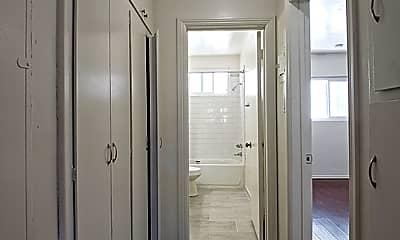 Bathroom, 453 N Kingsley Dr 8, 1