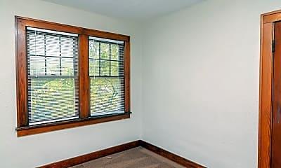 Bedroom, 1017 W Main St, 1