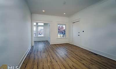 Living Room, 600 Parkway Dr NE 8, 1