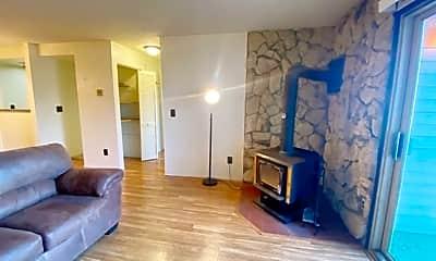 Living Room, 4660 Reka Dr, 0