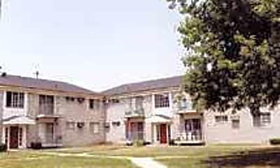 Crescent Manor Apartments, 1
