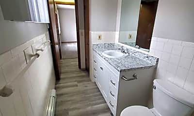 Bathroom, 731 S 12th St, 2