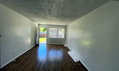 Living Room, 2815 S H St, 0