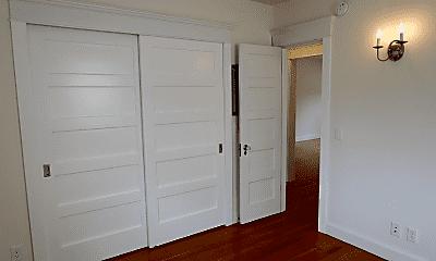 Bathroom, 1 Anchorage St, 2
