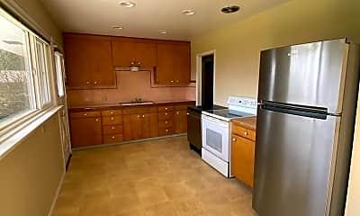 Kitchen, 529 10th St, 1