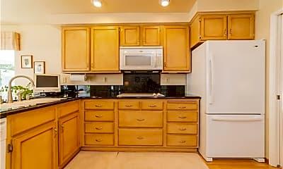 Kitchen, 27505 Terrytown Rd, 1