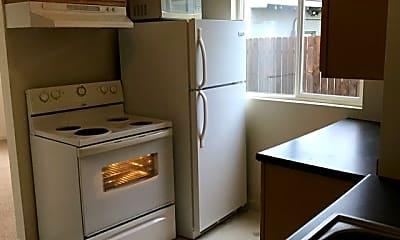 Kitchen, 111 10th St SE, 1