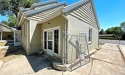 Building, 655 E 400 N, 2