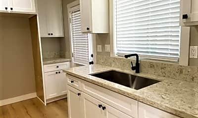 Kitchen, 927 W 1st St, 1