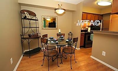 Dining Room, 3101 Shoreline Dr, 0