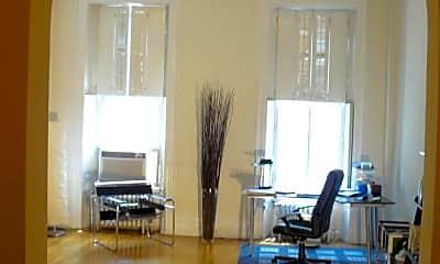 Living Room, 1527 Pine St 2, 2