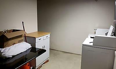 Kitchen, 925 S 8th St, 2