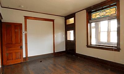 Bedroom, 226 N State St, 1