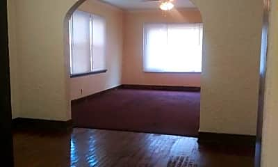 Living Room, 2426 Benderwirt Ave, 1