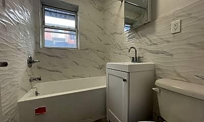 Bathroom, 398 Danforth Ave, 2
