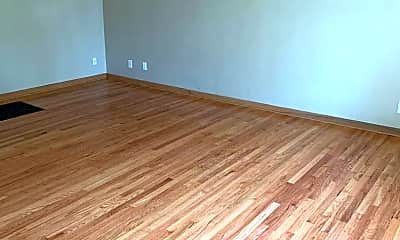 Living Room, 1607 Greenwood Ave, 1