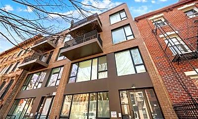 Building, 138 Quincy St 3, 2