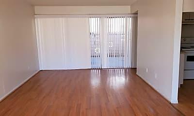 Living Room, 3791 Royal Crest St, 1
