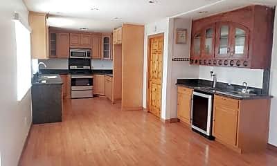 Kitchen, 790 Hillsdale Dr, 1