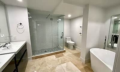Bathroom, 101 Crandon Blvd 381, 2