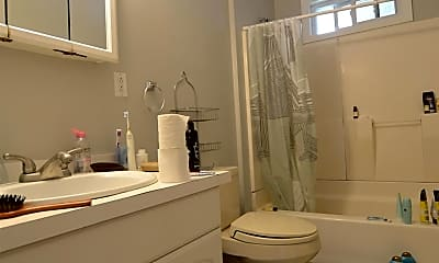 Bathroom, 28 Crosby Rd, 1
