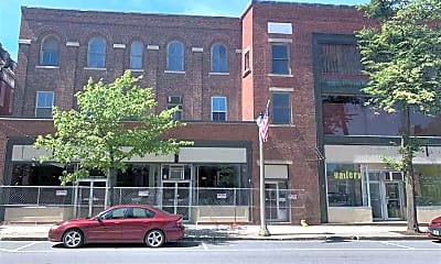 Building, 335 Main St 301, 2