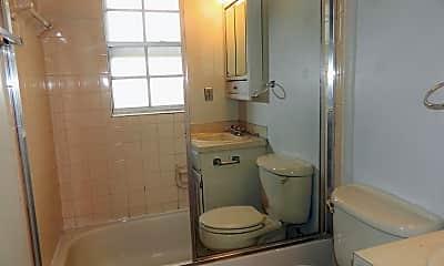 Bathroom, 5020 E Wyman Rd, 2