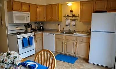 Kitchen, 48 Strawberry Hill Ave 7, 1