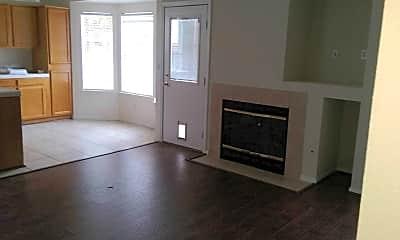 Living Room, 2402 E Goshen Ave, 2