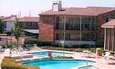 Pool, Saddlewood, 0