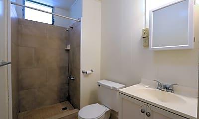Bathroom, 650 Sheridan St, 1