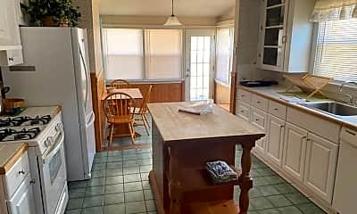 Kitchen, 105 KERR AVE, 1