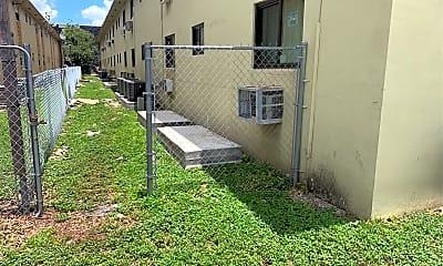 Lake Point Plaza Apartments, 2
