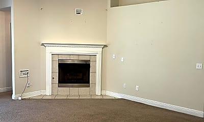 Living Room, 7925 Amethyst Dr, 2