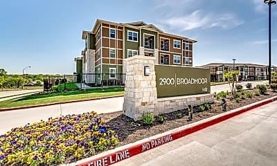 2900 Broadmoor, 0